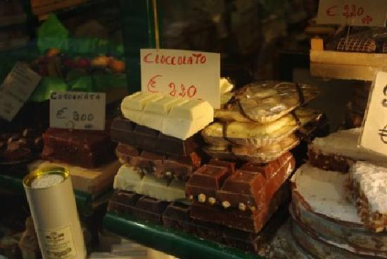 Bergamo, Italy: Candy shop