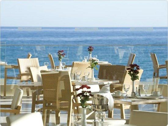 Aktia Lounge Hotel & Spa : Main Restaurant Outside Terrace