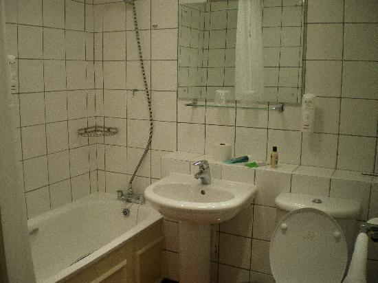 Bridge Inn: Our Bathroom