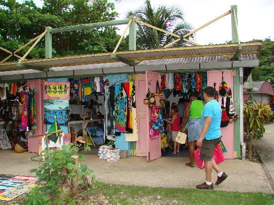 Shopping in Negril