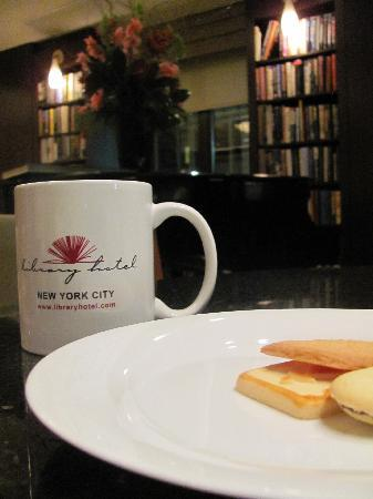 Library Hotel by Library Hotel Collection: Help yourself to a late night snack - tea & cookies!