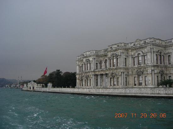 Bosphorus Strait: 絵葉書のように美しい