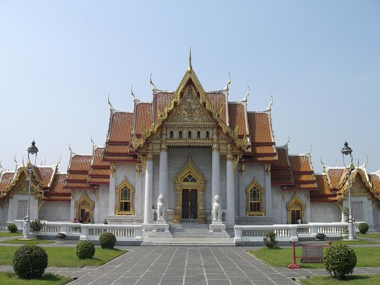 ‪Wat Benchamabophit (The Marble Temple)‬