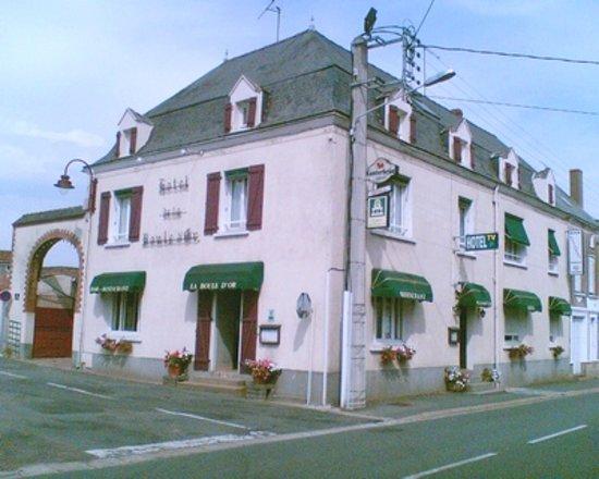 Coron, France: la façade