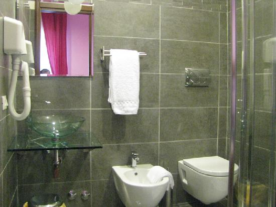 Bagno Interno in ogni camera - Picture of B&B Mariarosaria ...