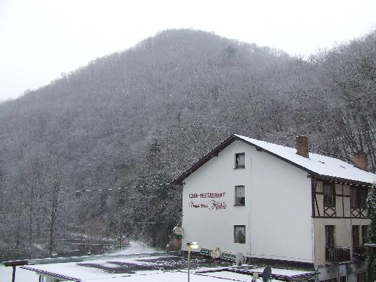 Moselkern, Germany: Ringlelsteiner in the snow