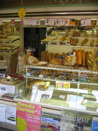La Prairie : Local Boulangerie in Vernantes