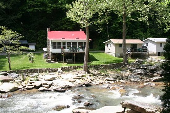 River View Cabins: Applehouse
