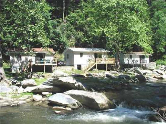 River View Cabins: right on the river