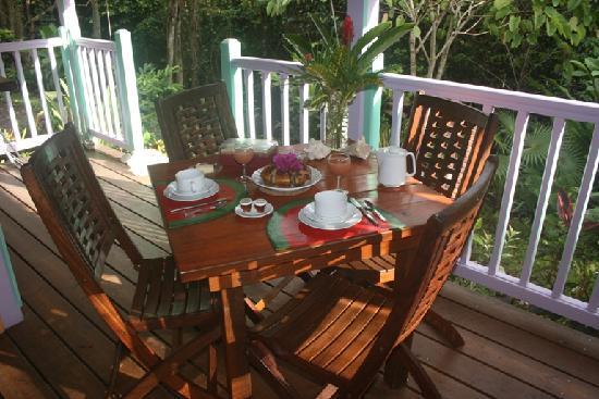 La Koumbala: Petit déjeuner au Yanfolila