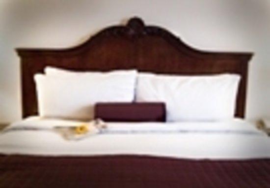 Cayo grande Suites Hotel: Comfortable Beds