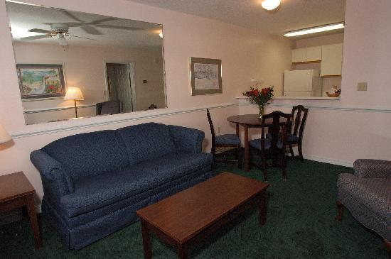 Cayo grande Suites Hotel: Spacious Suites