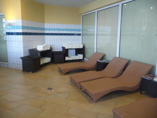 Elb-Residence Appartements: detente pres de la piscine