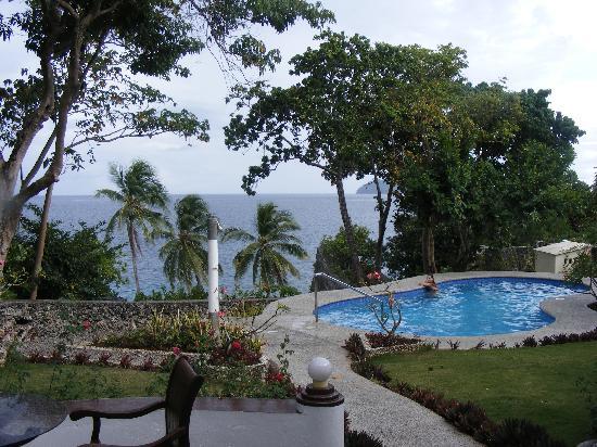 Padre Burgos Castle Resort: Castle Pool