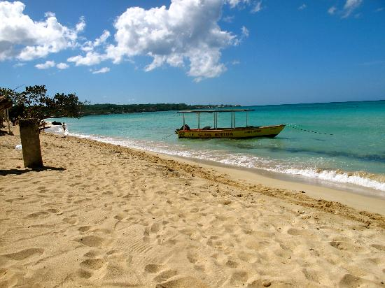 Travellers Beach Resort : Standing on their restaurant deck.