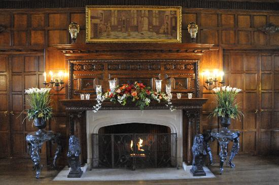 Thornewood Castle Inn and Gardens: Great Hall