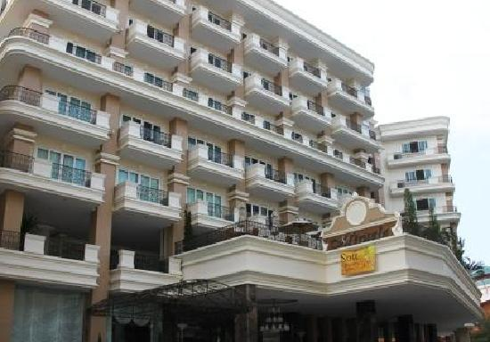 Hotel Outlook - Picture of Miracle Suite, Pattaya - TripAdvisor