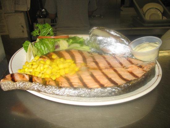 Smiles Seafood Cafe: King Salmon