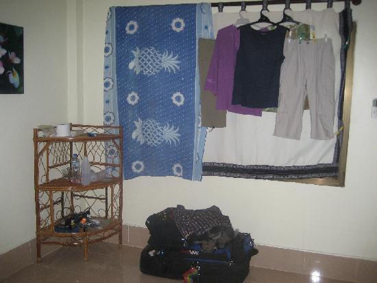 Little Eden: Improvised wardrobe & curtain extension