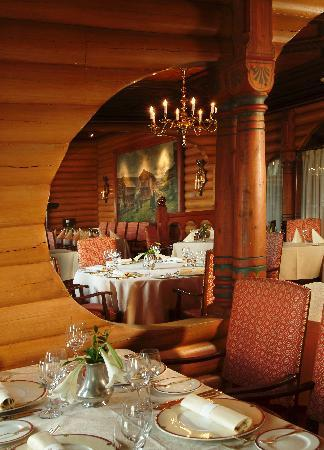 Scandic Holmenkollen Park: Restaurant De Fem Stuer