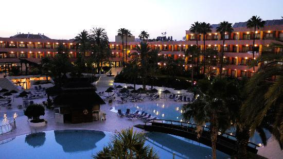 La Siesta Hotel: Evening View