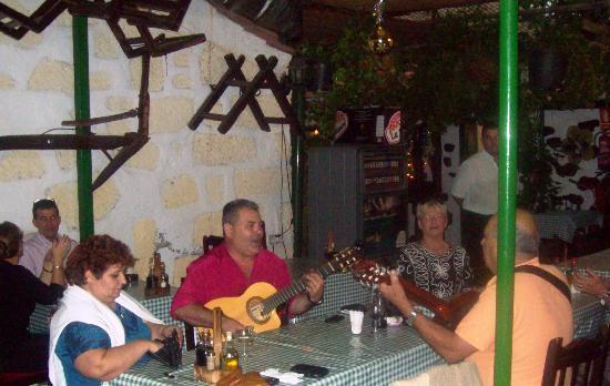 Meson Era Las Mozas: Entertaining the diners
