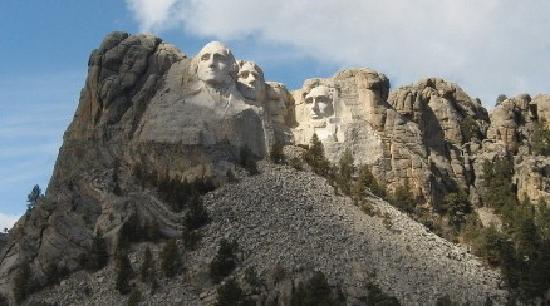 Mountains To Prairies Bed and Breakfast : Mountains To Prairies is near Mount Rushmore!