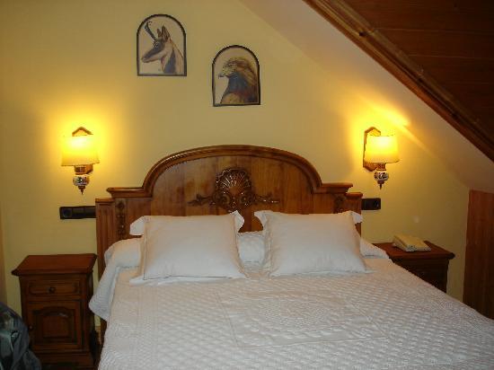Benasque, Spain: La habitación de abajo.