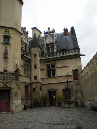 Musée de Cluny - Musée National du Moyen Âge : Entrance to Hotel Cluny- Musee du Moyen Age