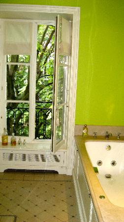 Hotel Particulier Montmartre: Wonderful bath