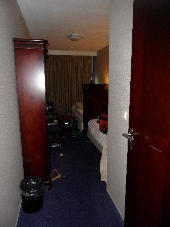 XO Hotels Blue Square : Second Floor Room w/ two singles