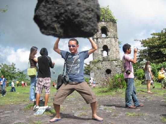 Legazpi, Filipinas: feeling strong like a giant