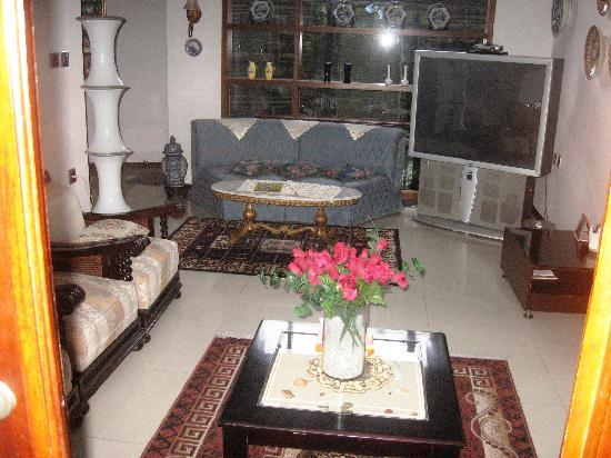 Buminanienie Family Guest House: Main living area on First Floor