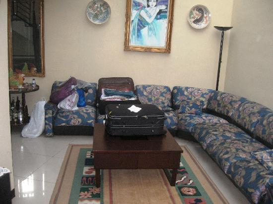 Buminanienie Family Guest House: Secondary living area on First Floor