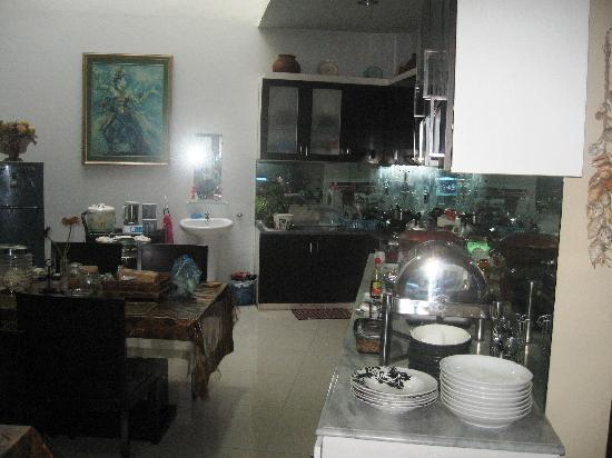 Buminanienie Family Guest House: The Kitchen