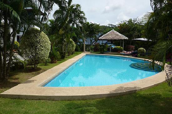 Kingsacre: Pool