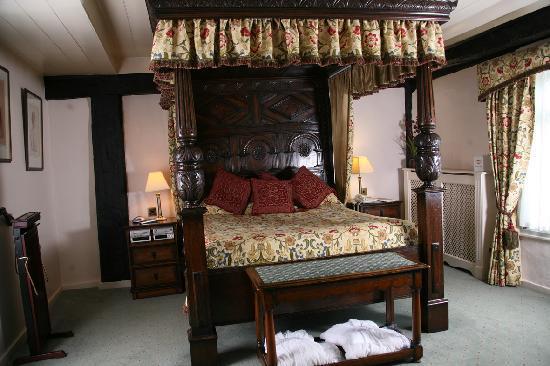 Marygreen Manor Hotel: Catherine of Aragon Suite