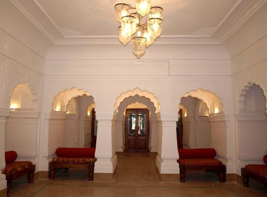 Neemrana's - Baradari Palace: Royalty at The Baradari Palace