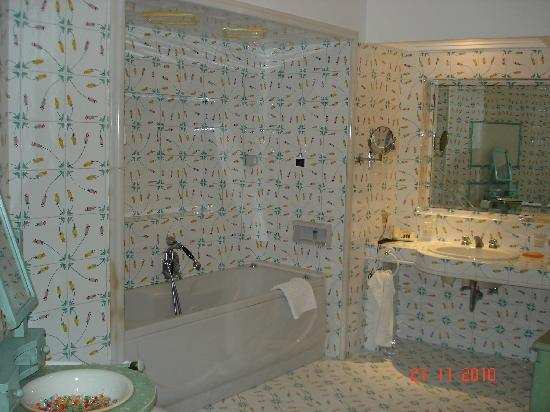 Hotel La Floridiana: The bathroom (junior suite)