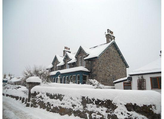 Dunallan House: Dunallan in the snow
