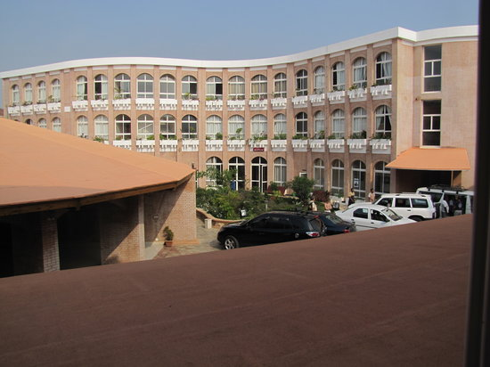 Fianarantsoa, Madagascar: Parking en nieuwe vleugel