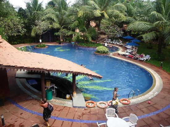 Lemon Tree Amarante Beach Resort Goa Pool
