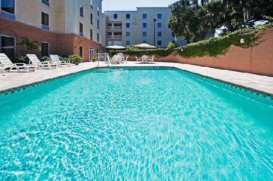 Holiday Inn Express Hotel & Suites Clearwater / US 19N: Warm and inviting