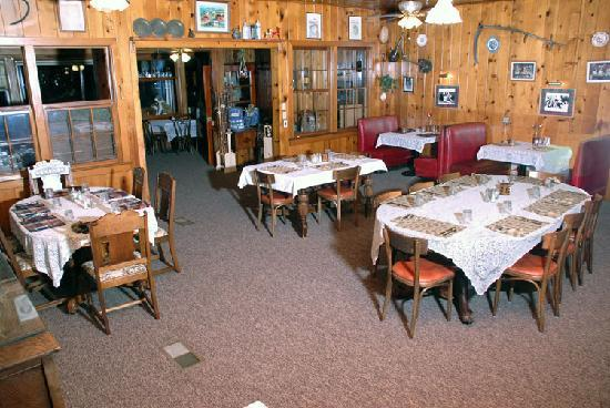 St. Bernard Lodge: Dining area