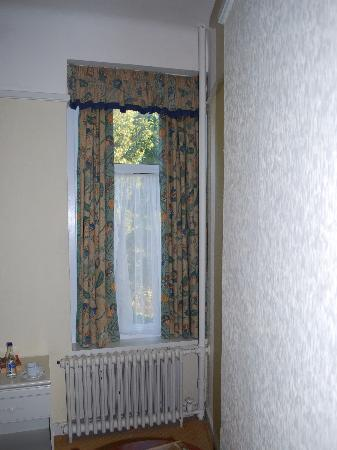 Sidmouth Harbour Hotel - The Westcliff: Room 43 - the tacky side of retro