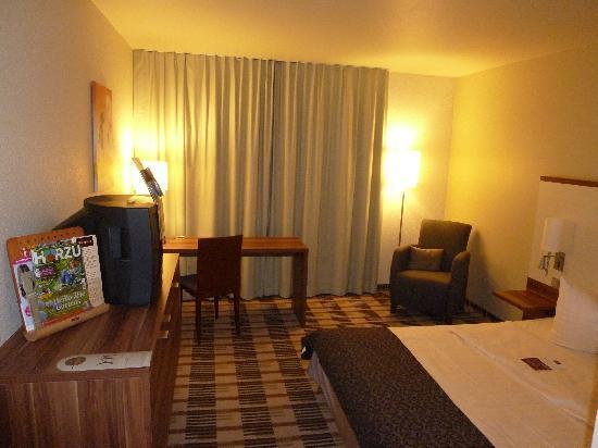 Mercure Hotel Saarbruecken Sud : la chambre (2)