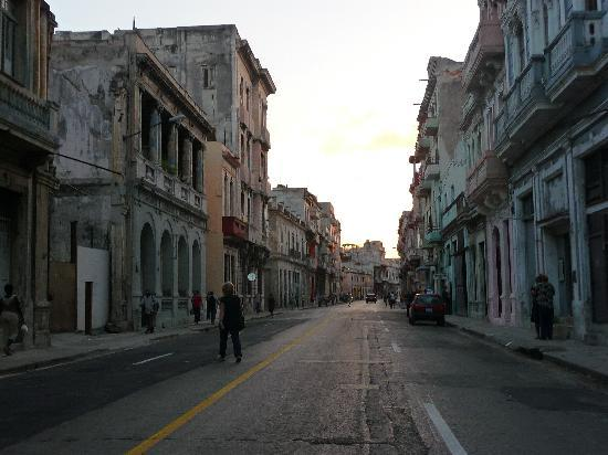 Havana, Küba: calle de centro habana