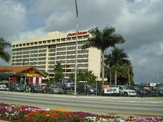 Fachada Del Hotel Picture Of Holiday Inn Miami West