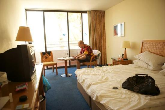 Isrotel Lagoona: Our room. Pretty simple, nothing fancy - but we aint going to do nothing but sleep here anyways.
