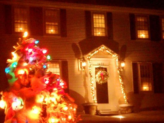 Sesuit Harbor House: At The Holidays